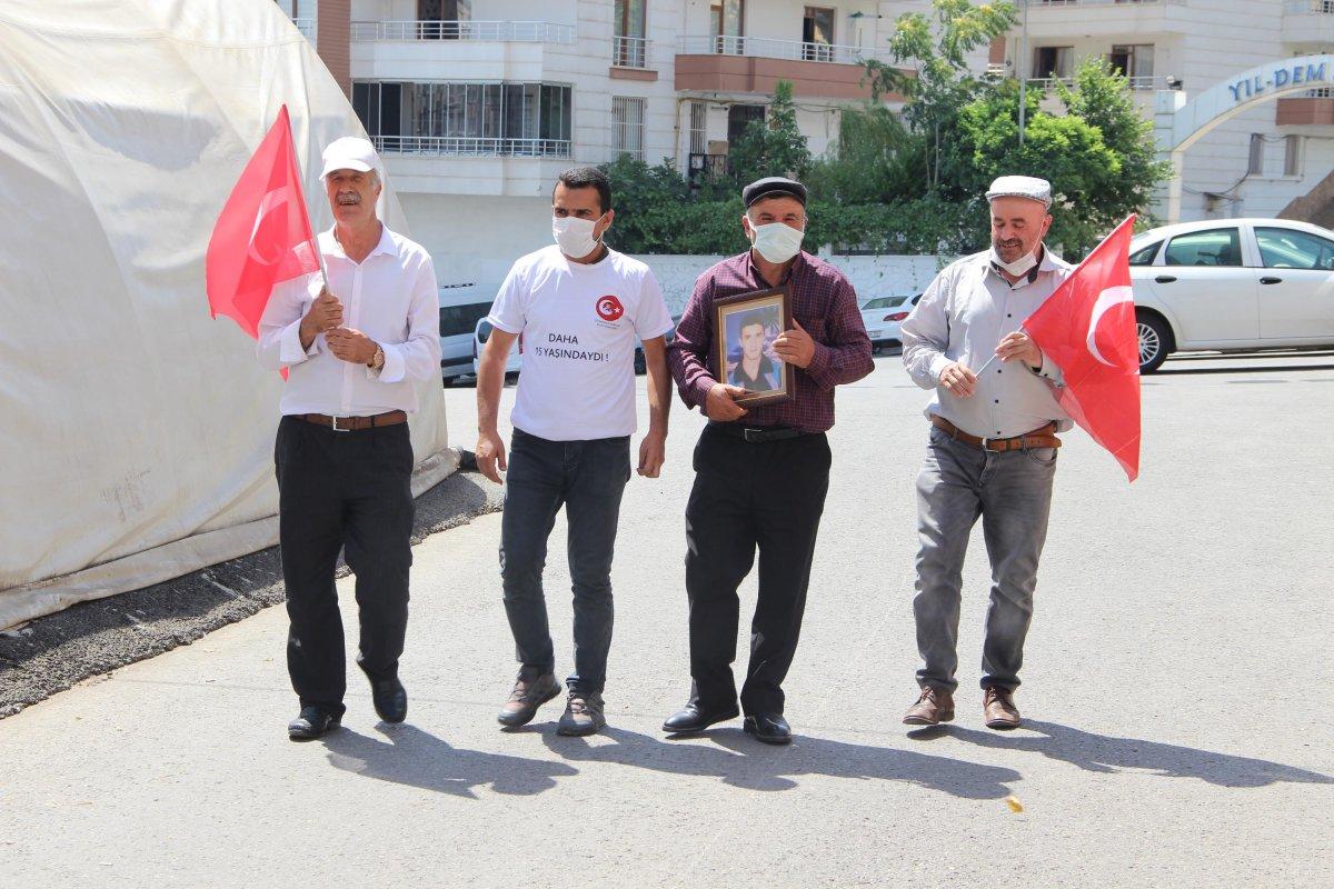Diyarbakır da HDP önündeki eylemde 670 inci gün #2