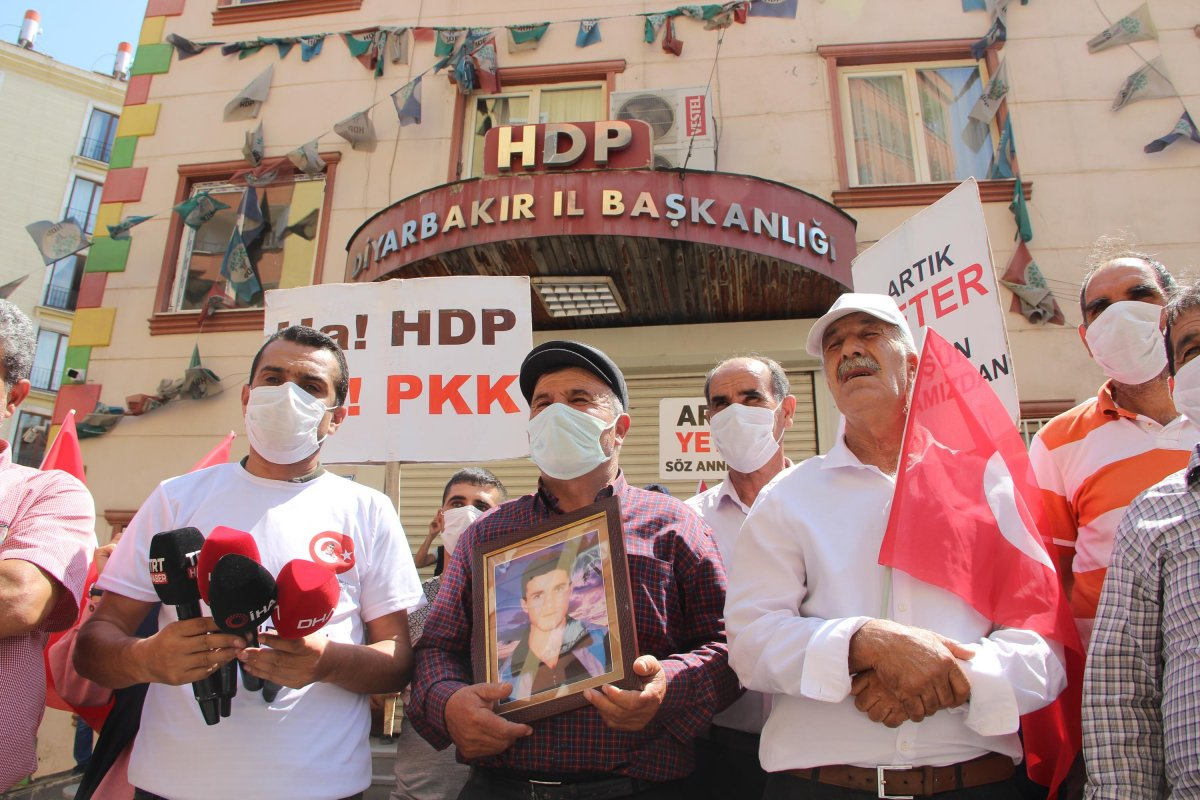 Diyarbakır da HDP önündeki eylemde 670 inci gün #3
