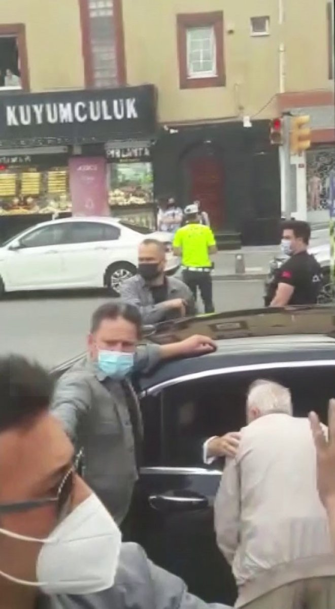 Erdoğan, Çengelköy'de vatandaşlarla sohbet etti #1