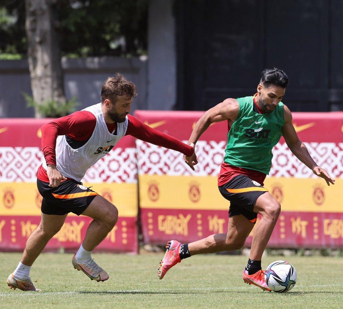 Galatasaray da antrenmanların yıldızı Falcao #2