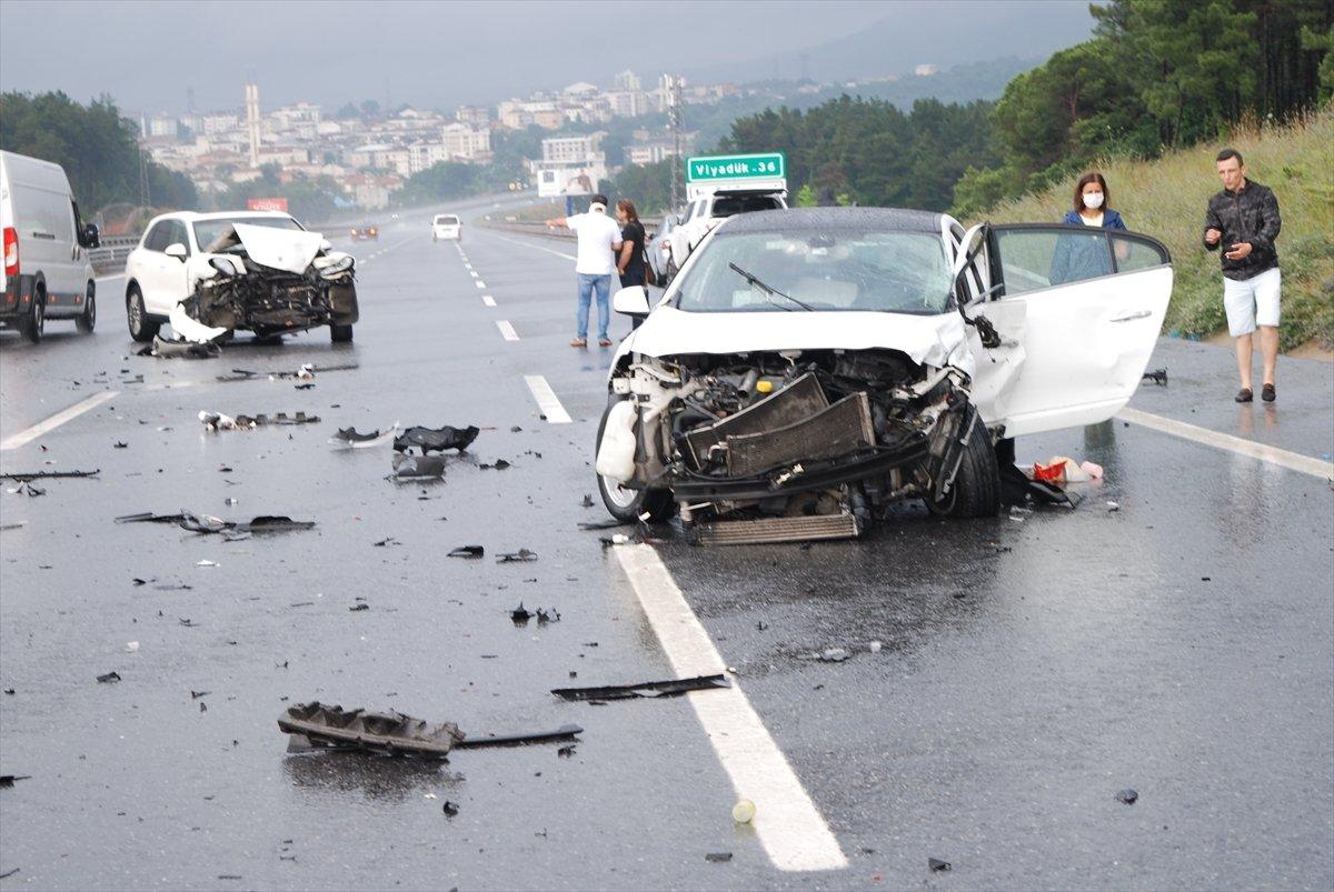 Çekmeköy de zincirleme kaza: 5 yaralı  #2
