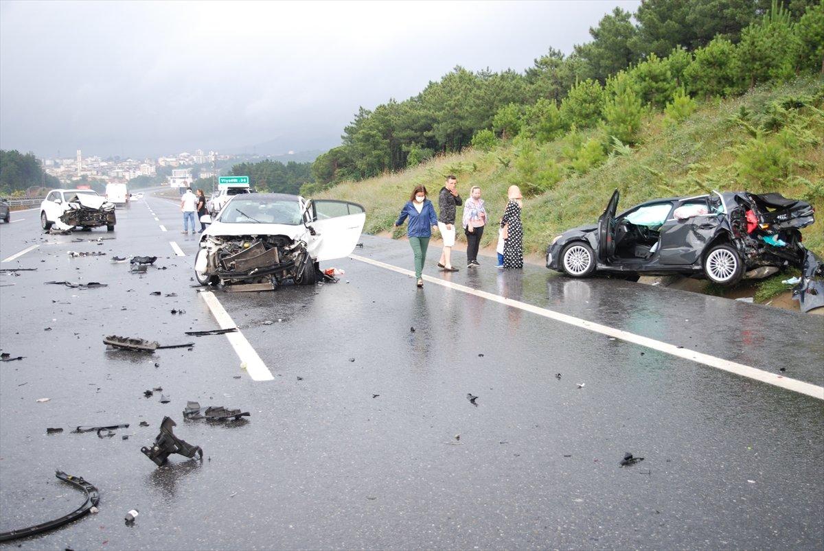 Çekmeköy de zincirleme kaza: 5 yaralı  #3