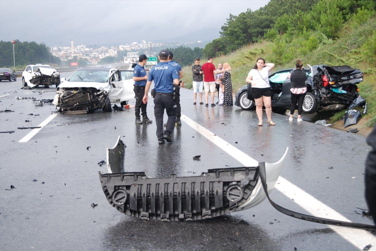 Çekmeköy de zincirleme kaza: 5 yaralı  #4