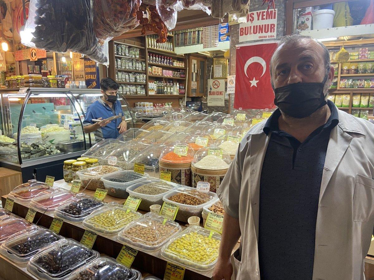 Konya da gıda dolabına girip video çeken gence esnaf tepkili #3