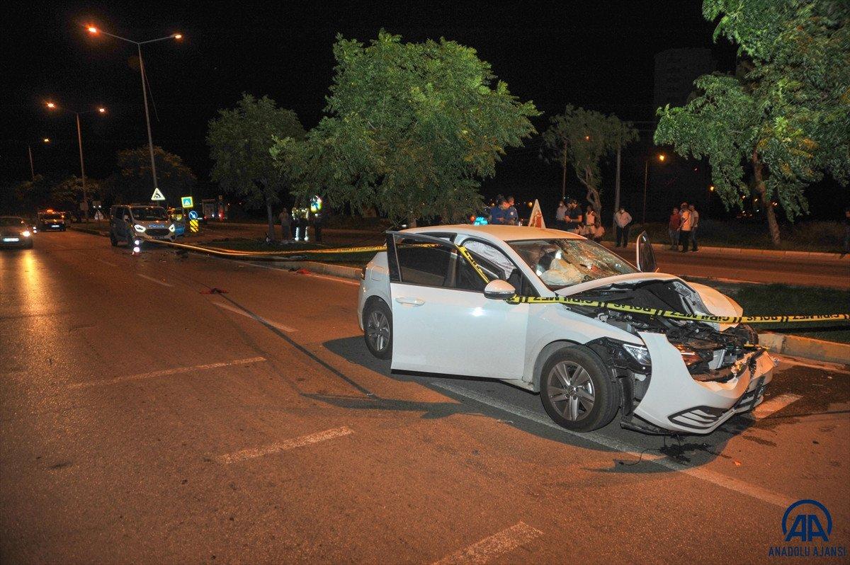 Antalya da otomobil ile elektrikli bisiklet çarpıştı: 2 ölü #1