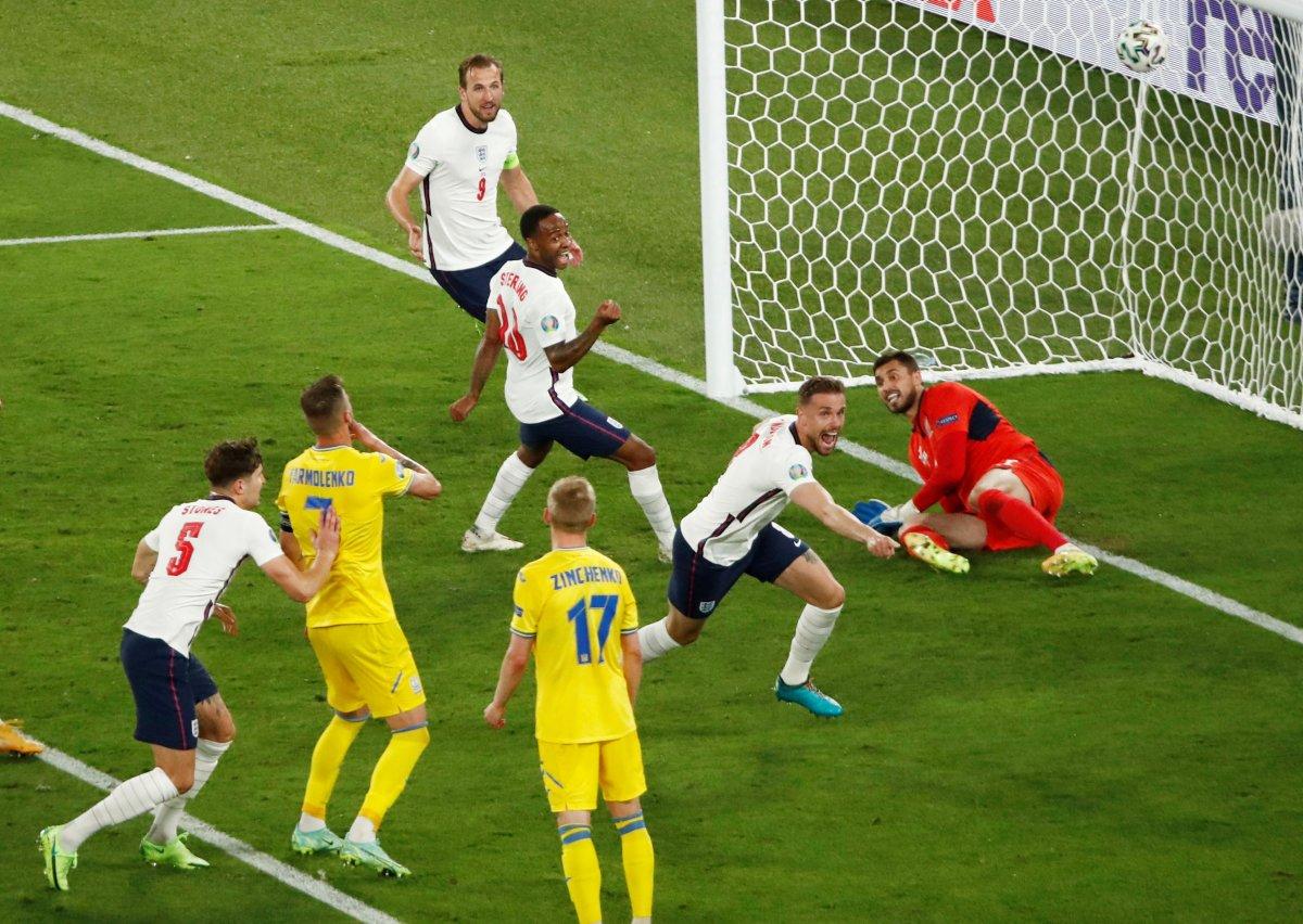 EURO 2020 de final maçı, Hollandalı hakem Kuipers in #1