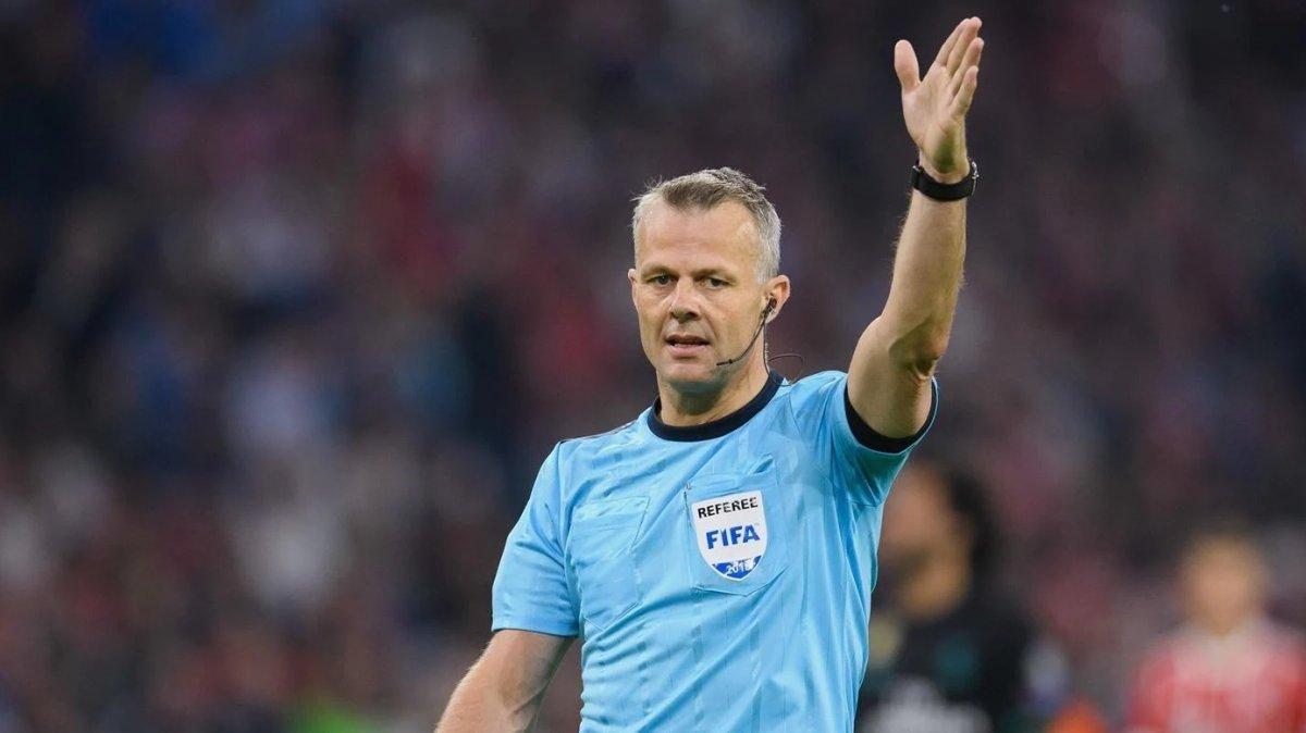 EURO 2020 de final maçı, Hollandalı hakem Kuipers in #2