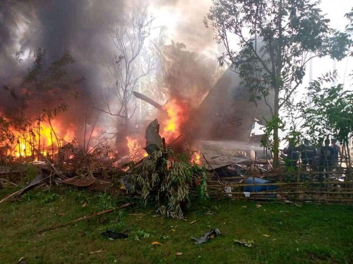Filipinler de askeri uçak düştü #2