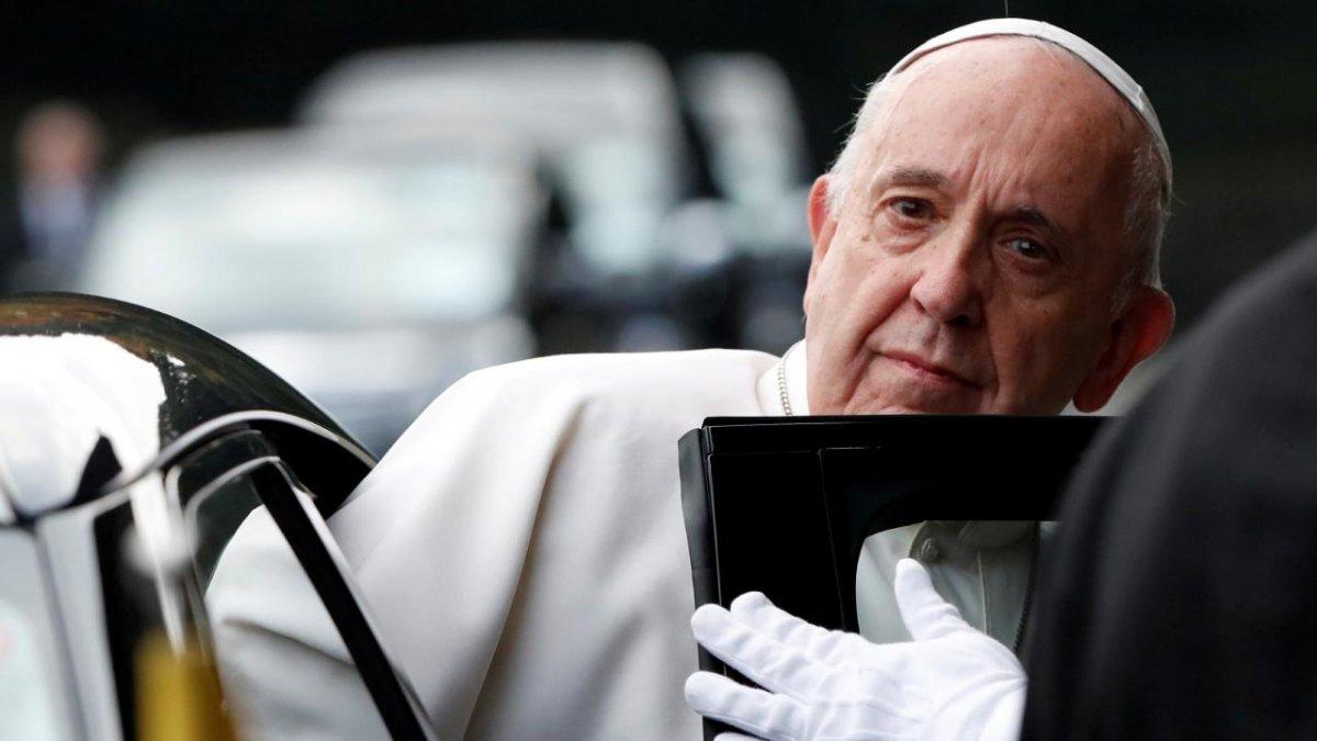 Papa Francis hastaneye kaldırıldı #1