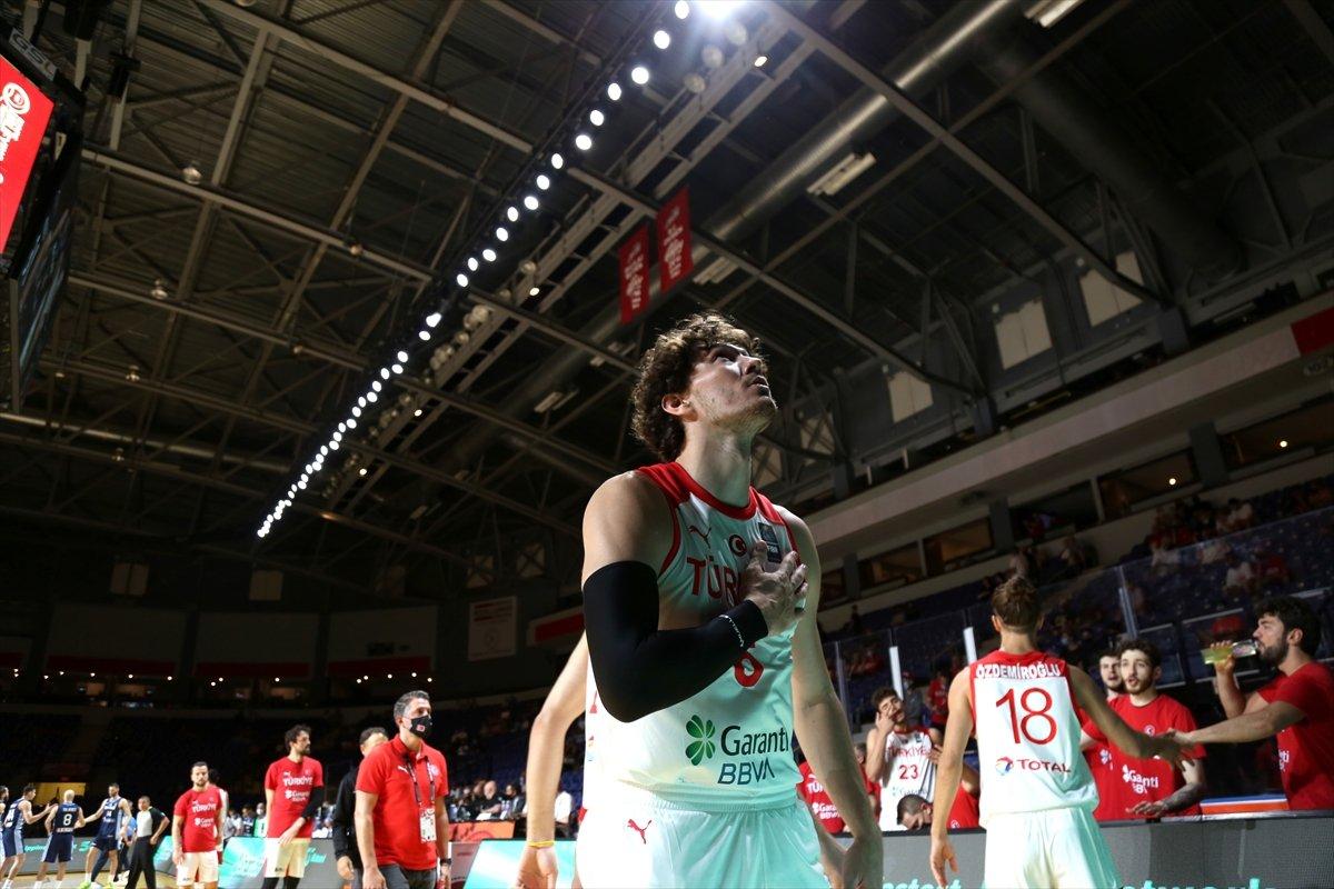 FIBA Olimpiyat Elemeleri nde Türkiye, yarı finalde Yunanistan a yenildi #4