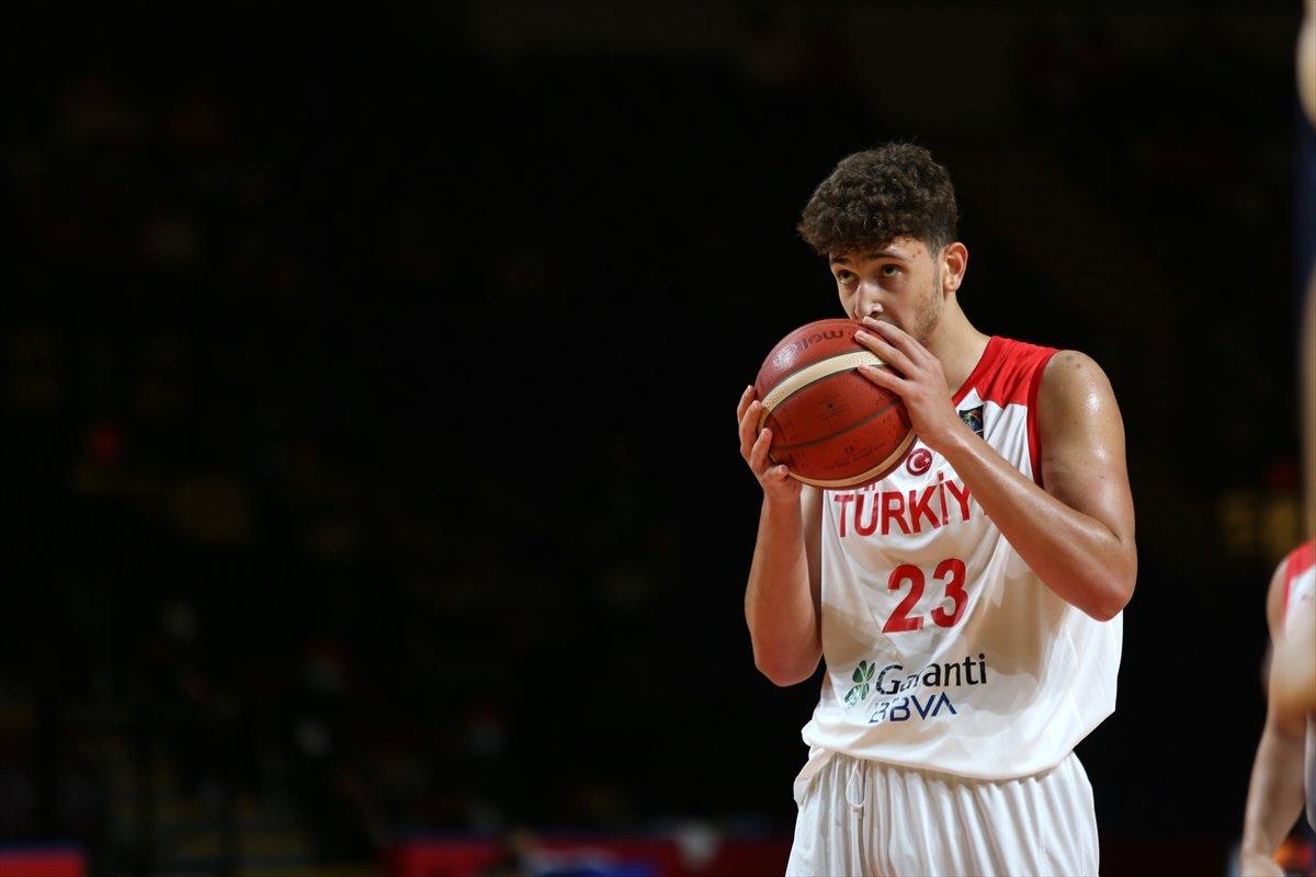 FIBA Olimpiyat Elemeleri nde Türkiye, yarı finalde Yunanistan a yenildi #8