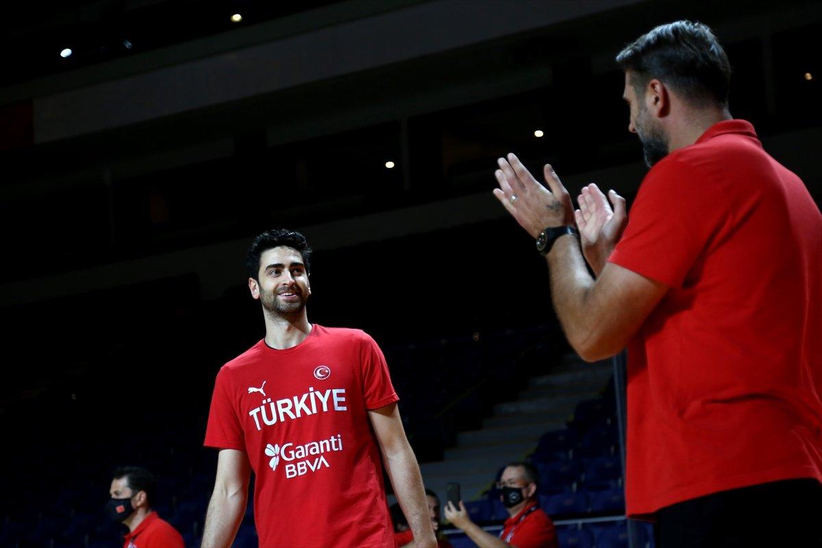 FIBA Olimpiyat Elemeleri nde Türkiye, yarı finalde Yunanistan a yenildi #1