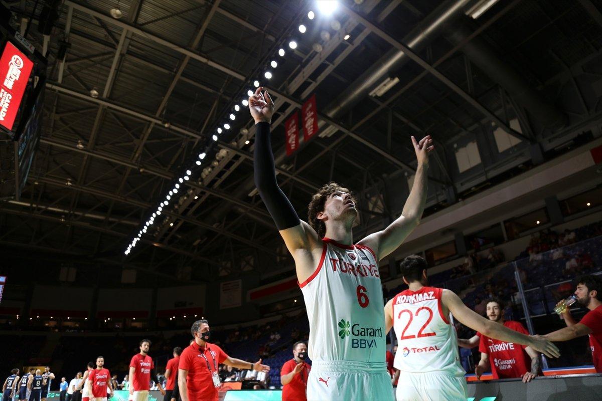 FIBA Olimpiyat Elemeleri nde Türkiye, yarı finalde Yunanistan a yenildi #5