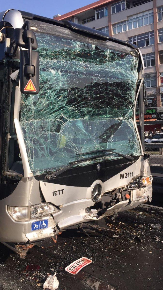 Küçükçekmece de metrobüs kazası #2