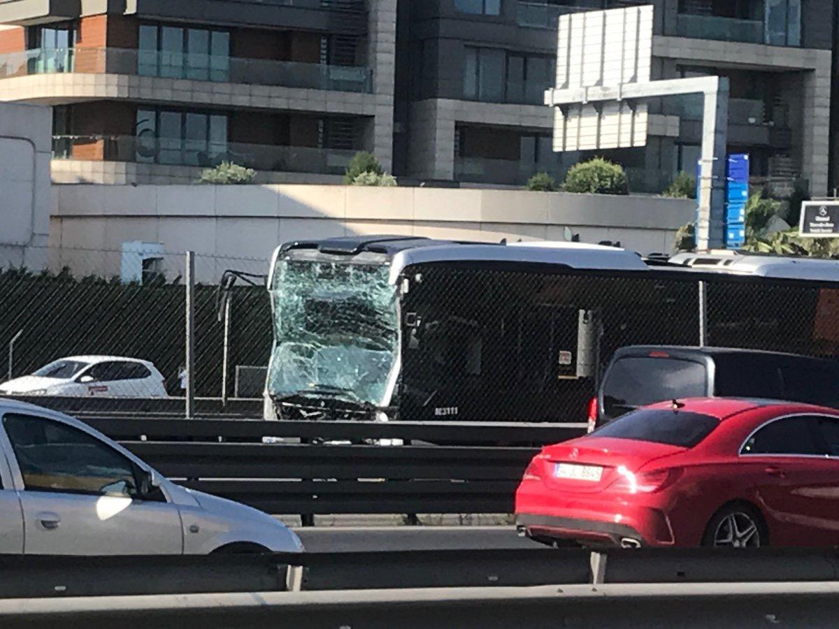 Küçükçekmece de metrobüs kazası #6