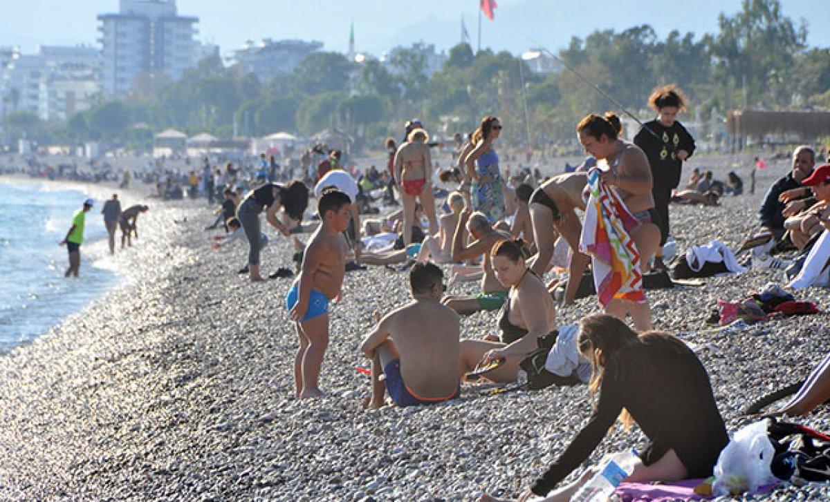 Konyaaltı Plajı nda sigara içmek yasak #2