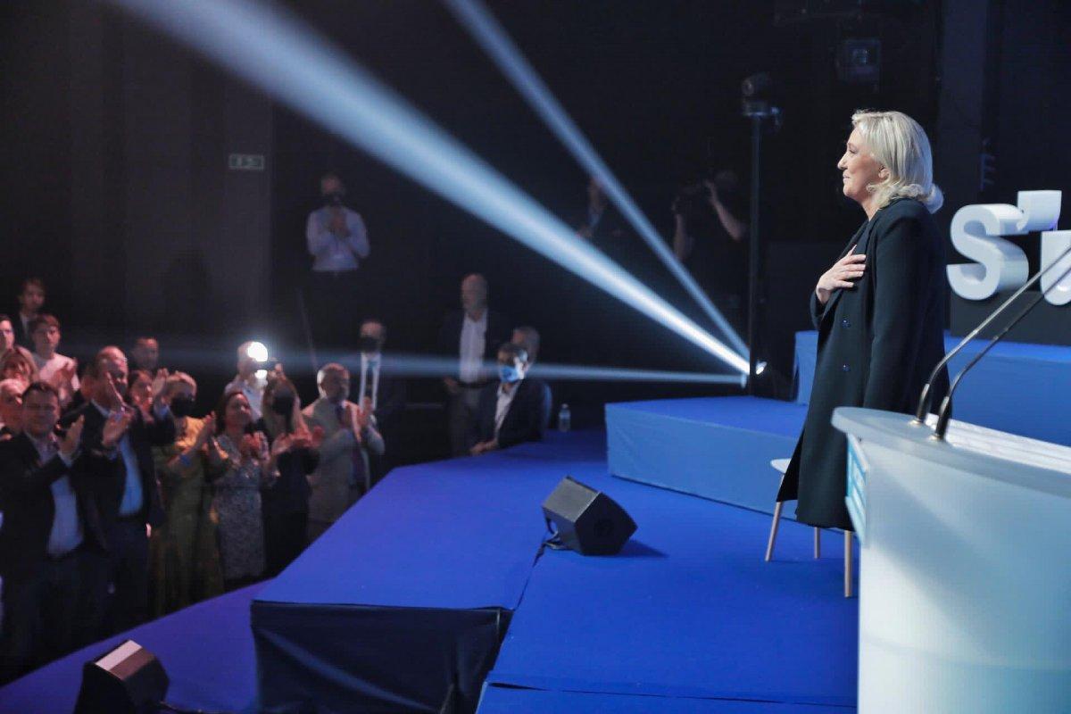 Marine Le Pen, yeniden Ulusal Birlik in liderliğine seçildi #4