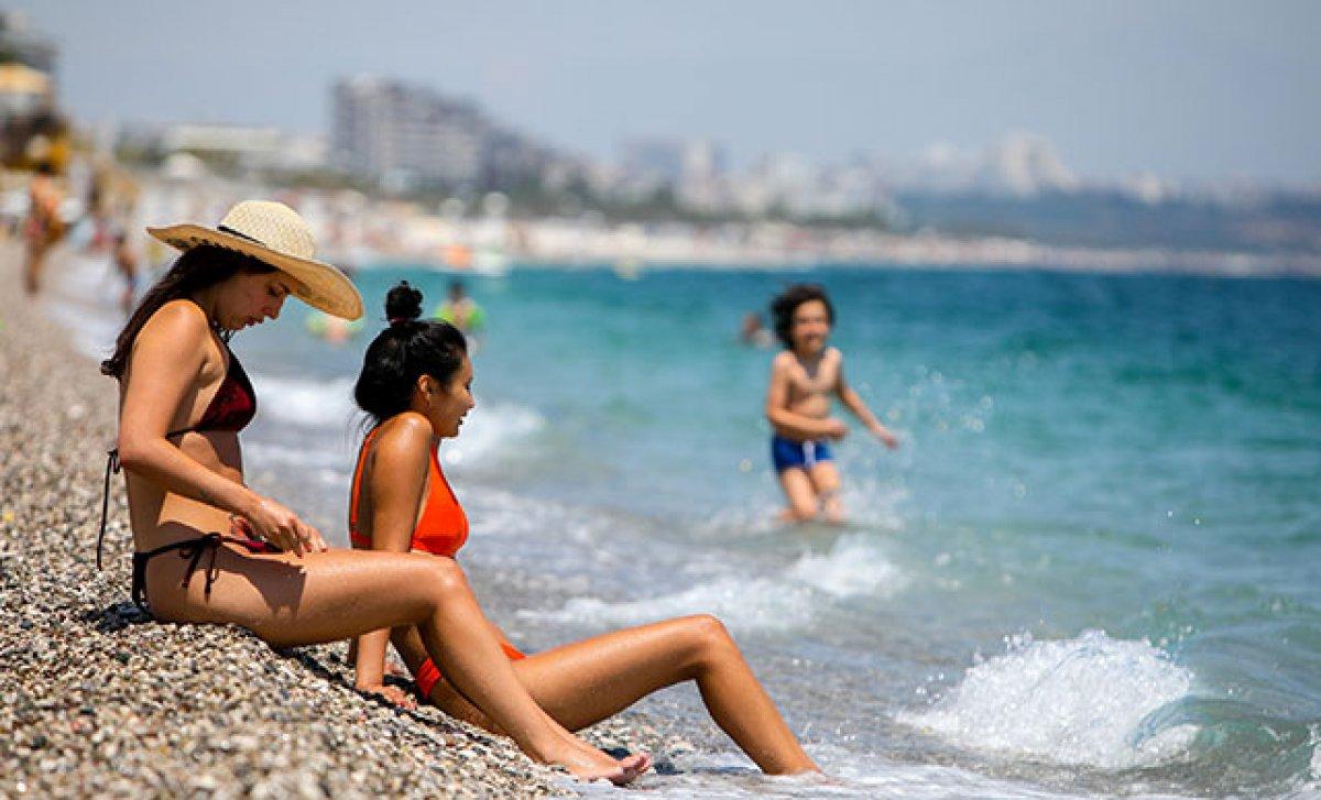 Konyaaltı Plajı nda sigara içmek yasak #1