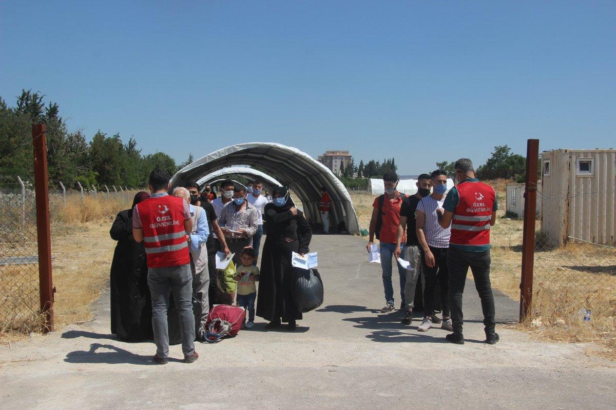 Suriyeliler bayram için Kilis ten ülkelerine dönüyor #1