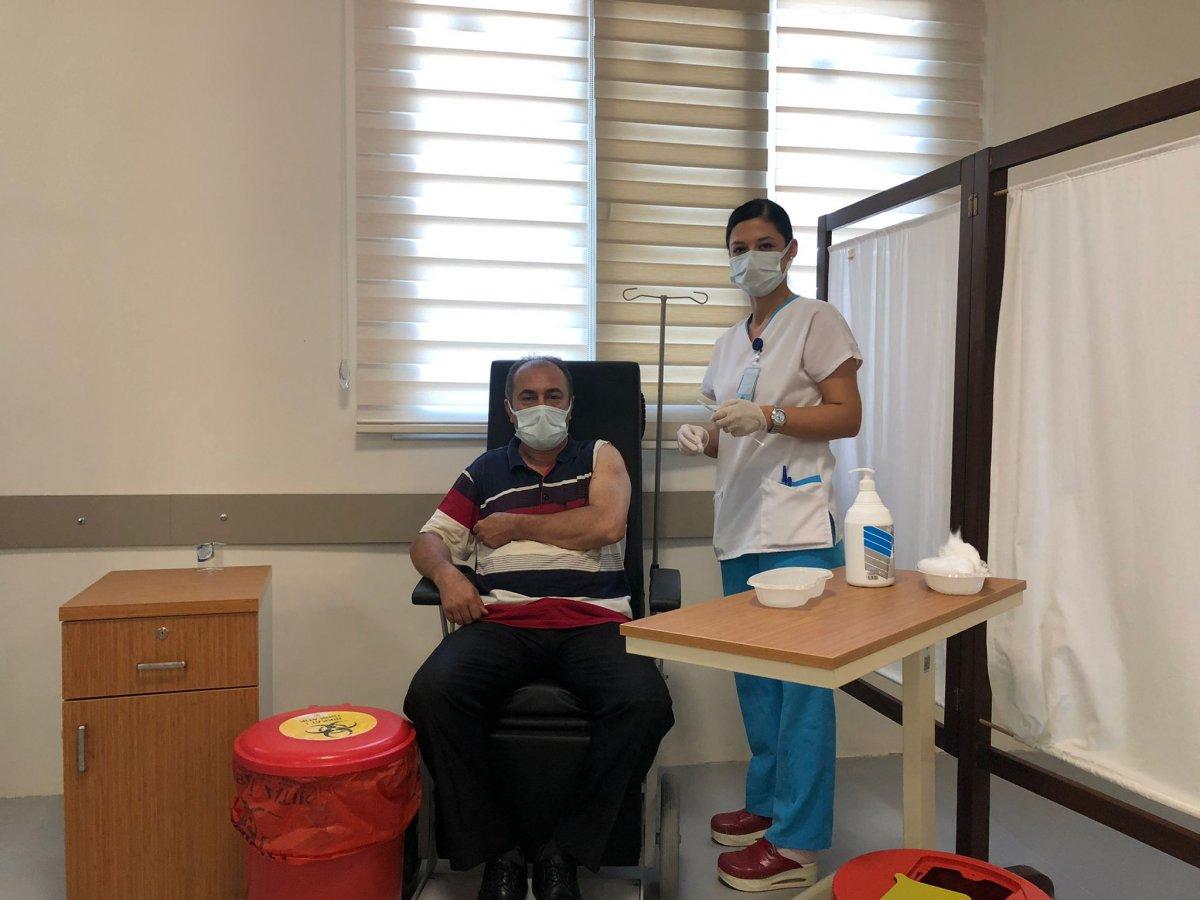 Yerli aşı Faz-2 aşamasında gönüllülere uygulanmaya başladı #4