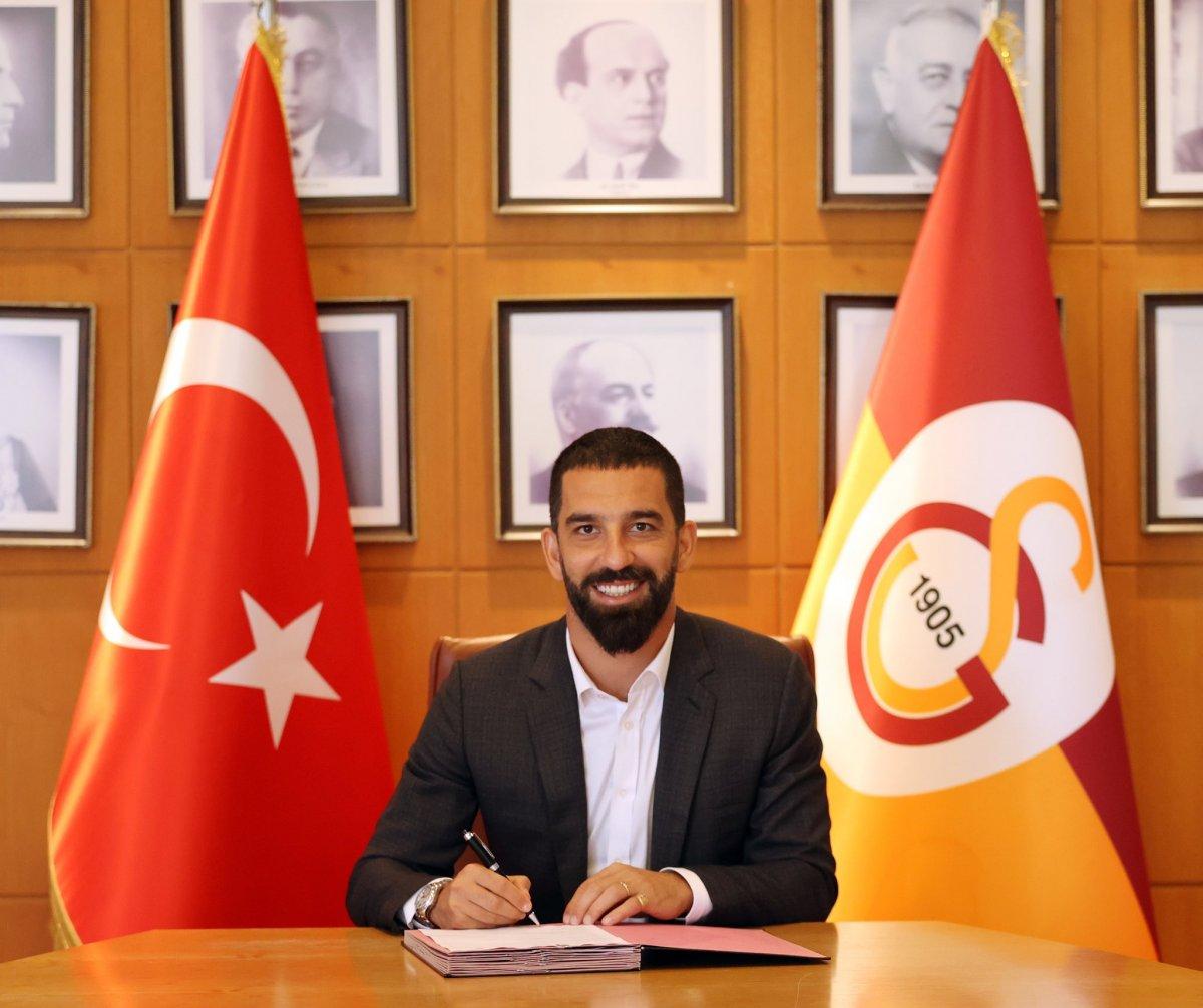 Galatasaray, Arda Turan ın sözleşmesini uzattı #3