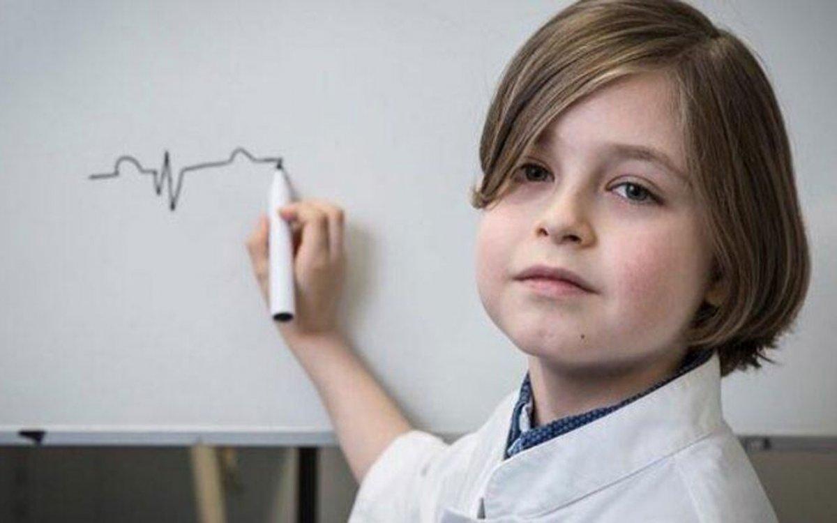 Belçika da 11 yaşındaki çocuk üniversitenin fizik bölümünü bitirdi #1