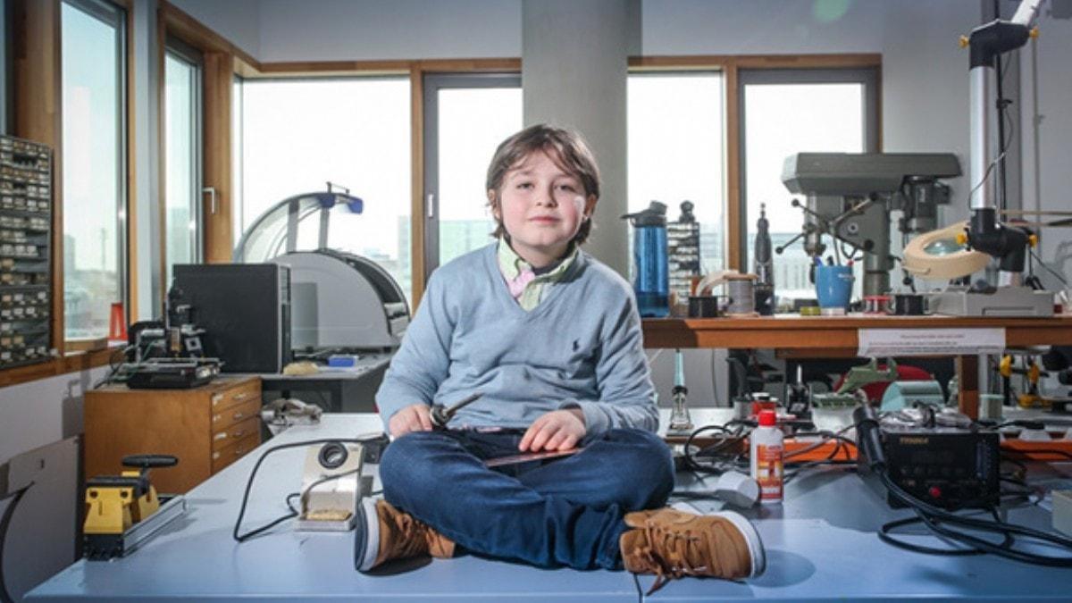 Belçika da 11 yaşındaki çocuk üniversitenin fizik bölümünü bitirdi #4