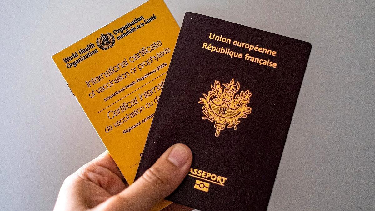 Fransa'da aşı ve sağlık kartı zorunlu hale gelebilir #1