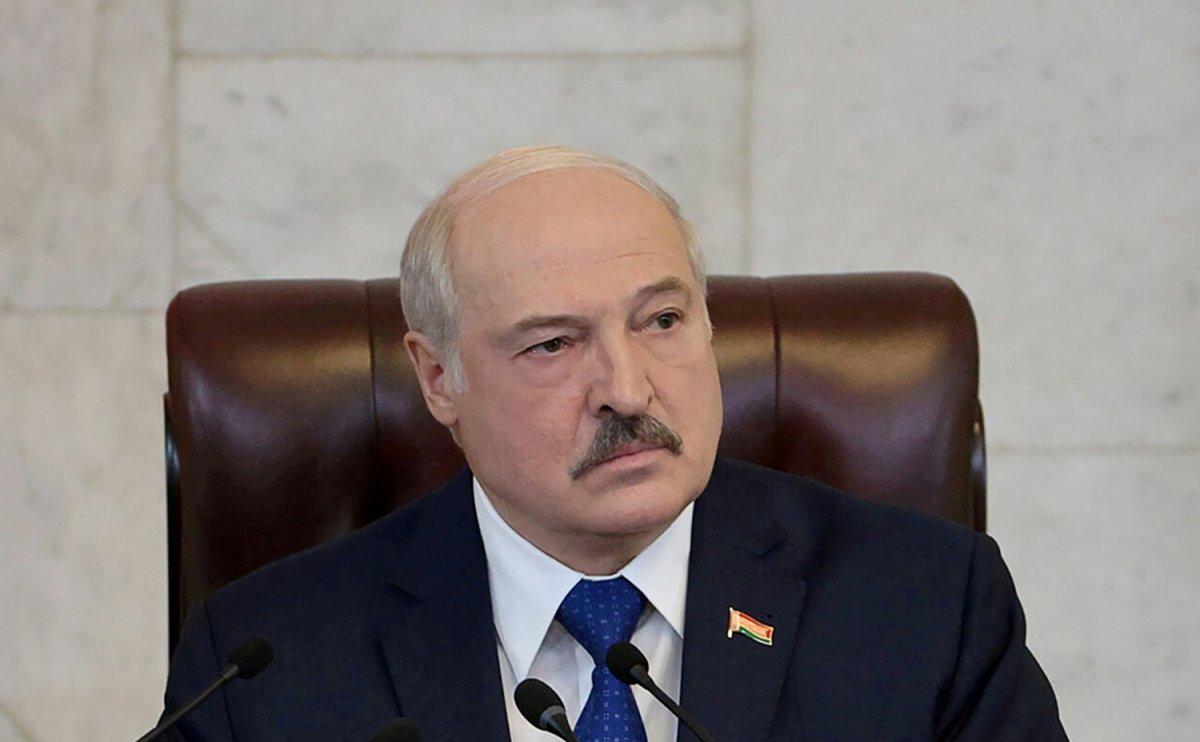 Aleksandr Lukaşenko: Avrupa'ya gidecek mültecileri tutmayacağız #1