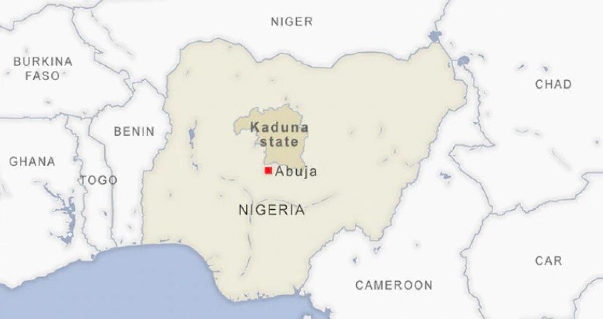Nijerya da bir liseden 140 öğrenci kaçırıldı #3