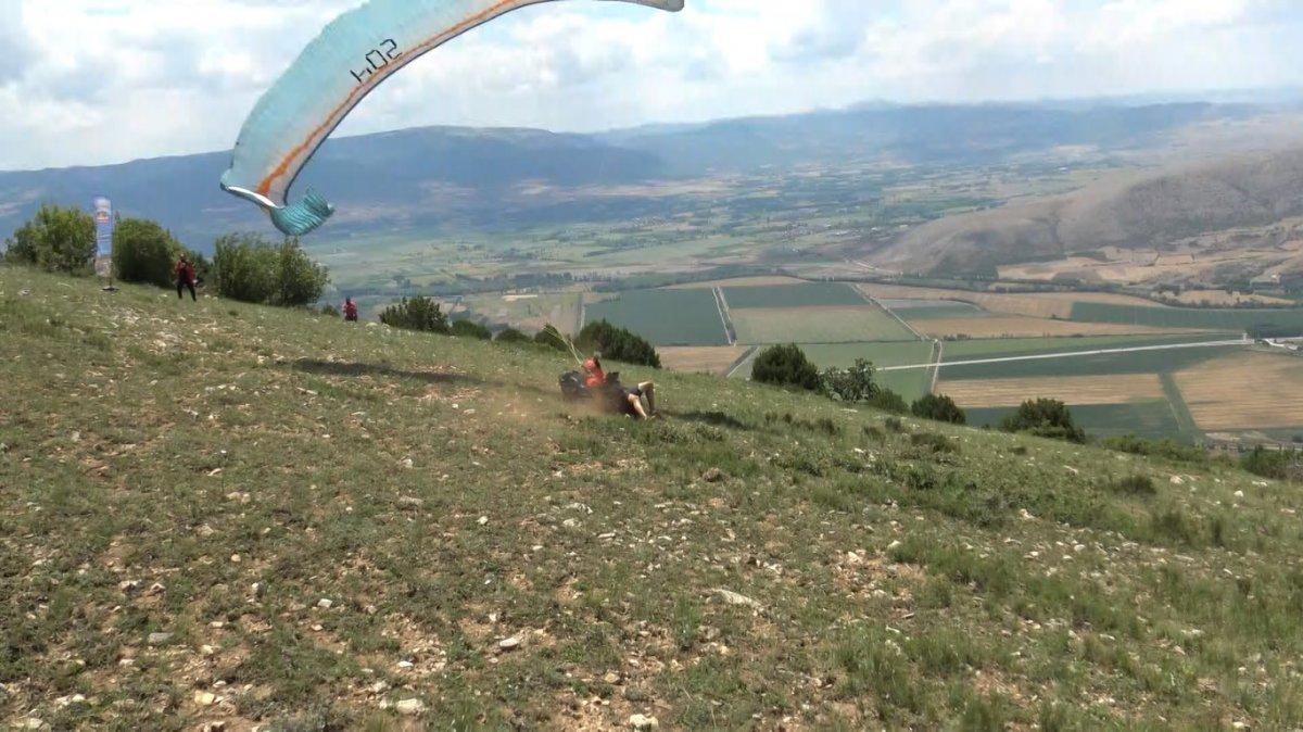 Tokat ta paraşüt kazası: Kolunu kırdı #2