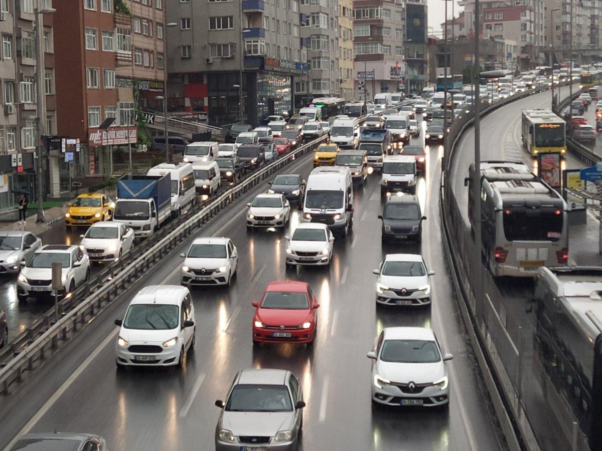 İstanbul da trafik, durma noktasına geldi #2