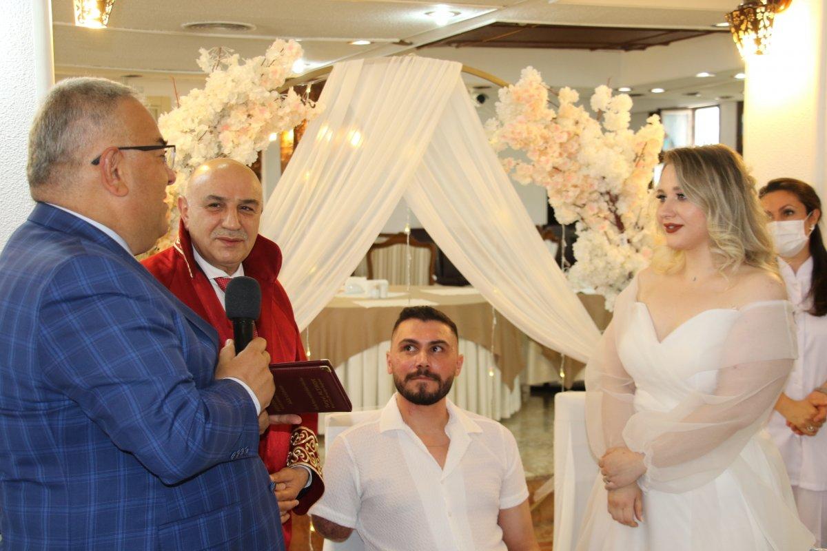Pençe-Şimşek Harekatı gazisi, tedavi gördüğü hastanede evlendi  #3