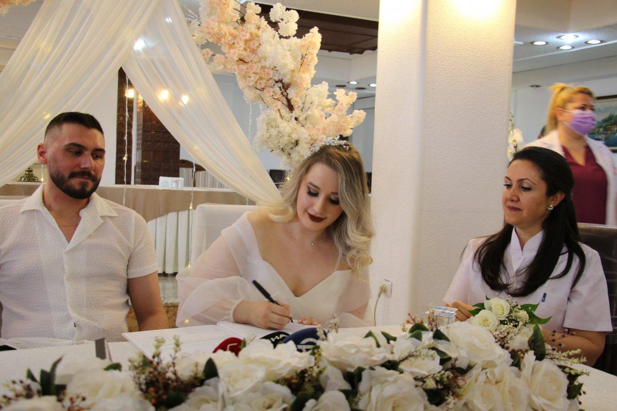 Pençe-Şimşek Harekatı gazisi, tedavi gördüğü hastanede evlendi  #1