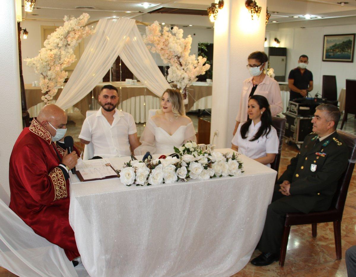 Pençe-Şimşek Harekatı gazisi, tedavi gördüğü hastanede evlendi  #5