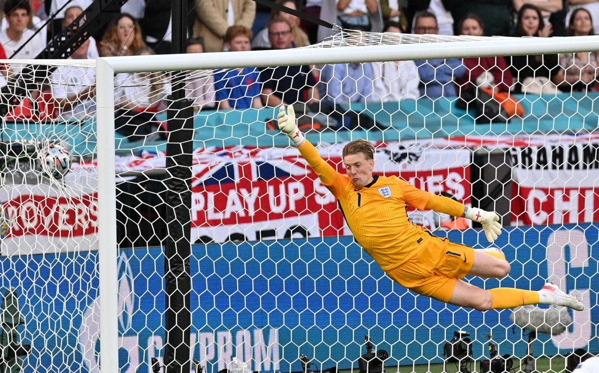 Danimarkalı Mikkel Damsgaard dan İngiltere ye harika frikik golü #5