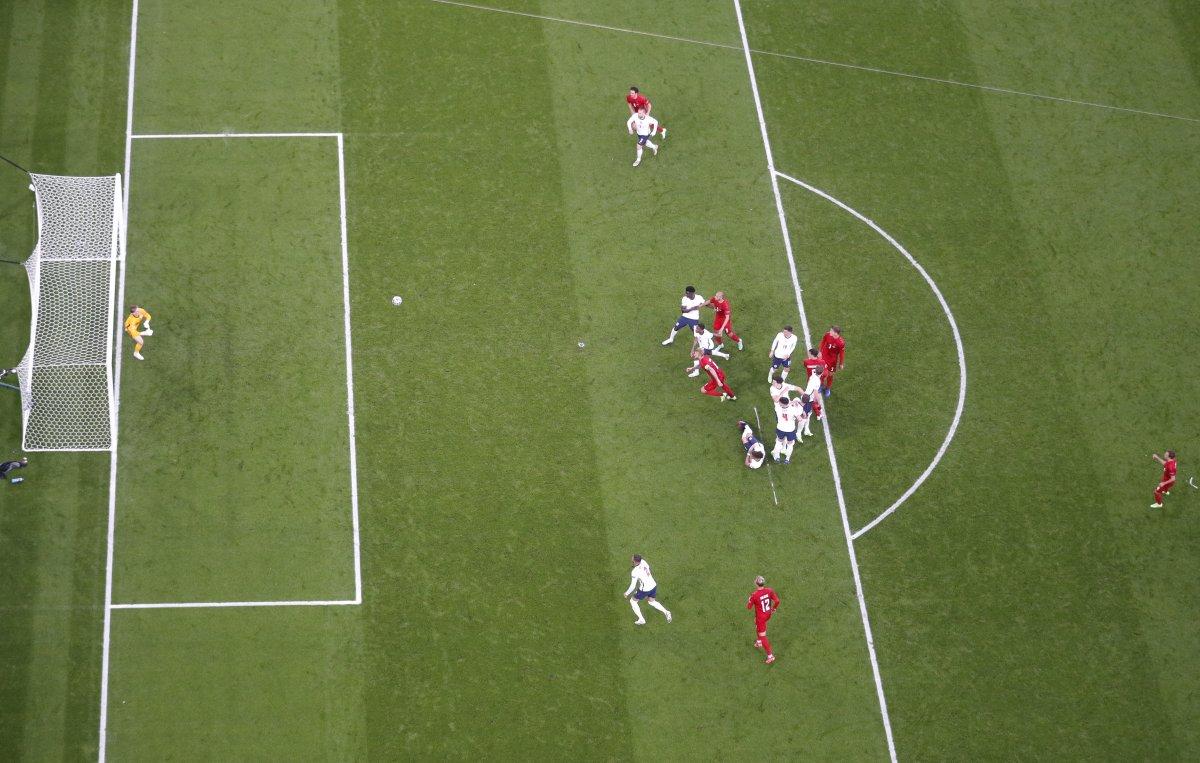 Danimarkalı Mikkel Damsgaard dan İngiltere ye harika frikik golü #8