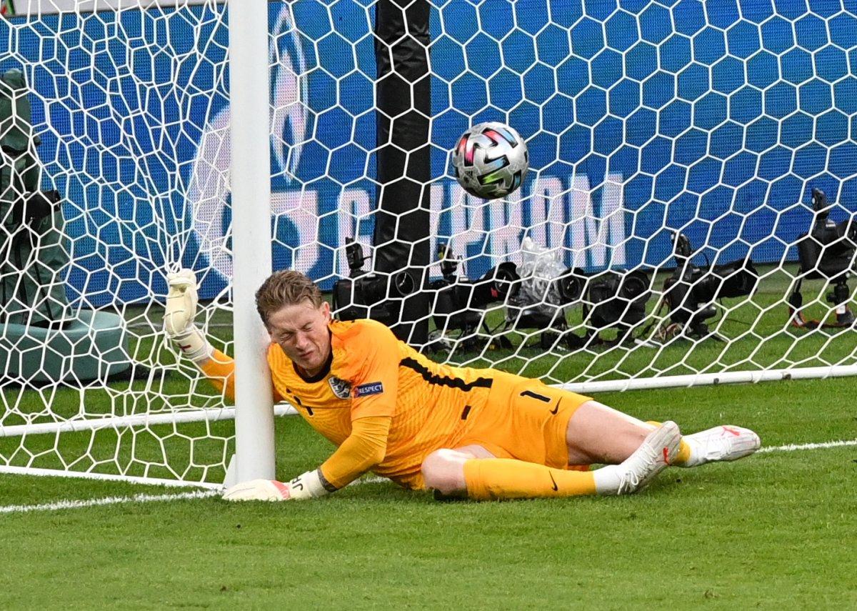 Danimarkalı Mikkel Damsgaard dan İngiltere ye harika frikik golü #2