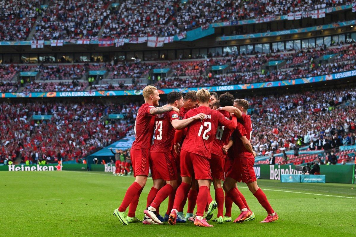 Danimarkalı Mikkel Damsgaard dan İngiltere ye harika frikik golü #3