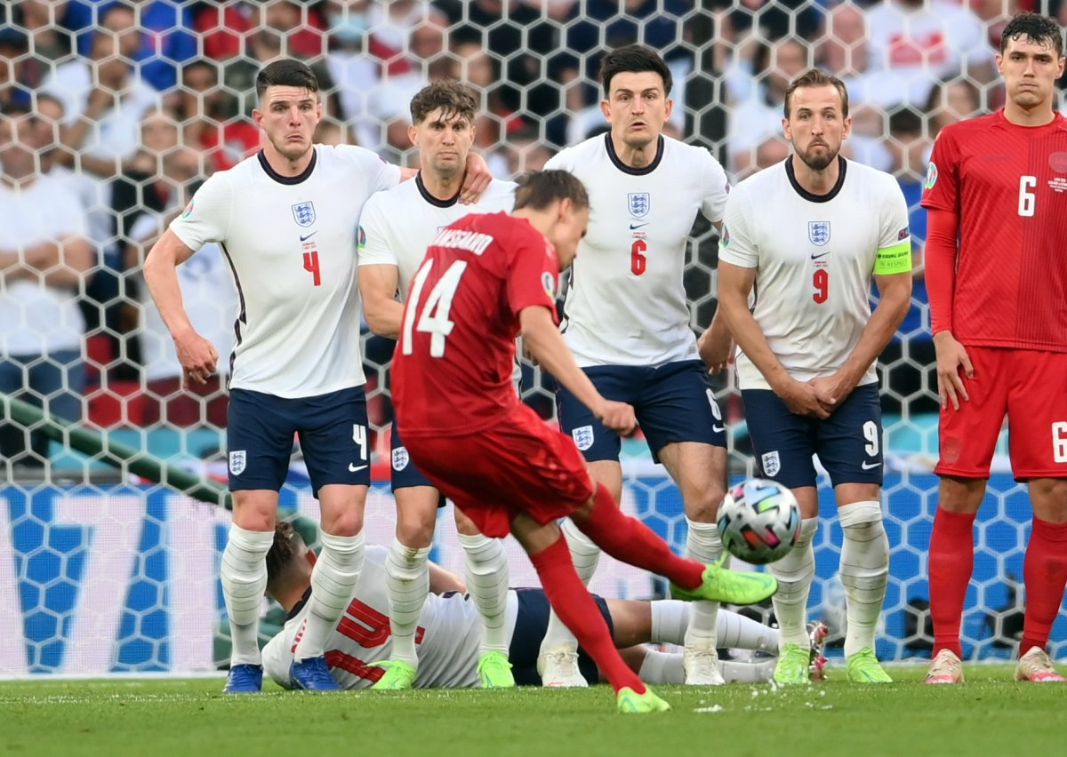 Danimarkalı Mikkel Damsgaard dan İngiltere ye harika frikik golü #10