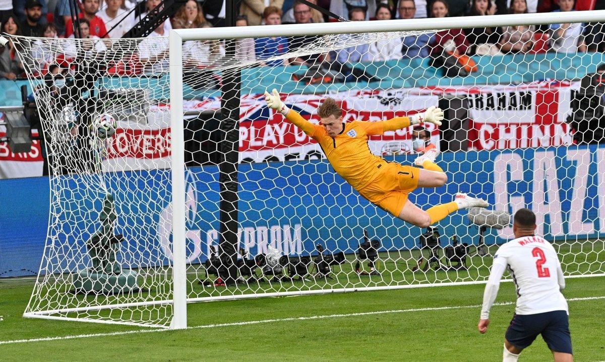 Danimarkalı Mikkel Damsgaard dan İngiltere ye harika frikik golü #6