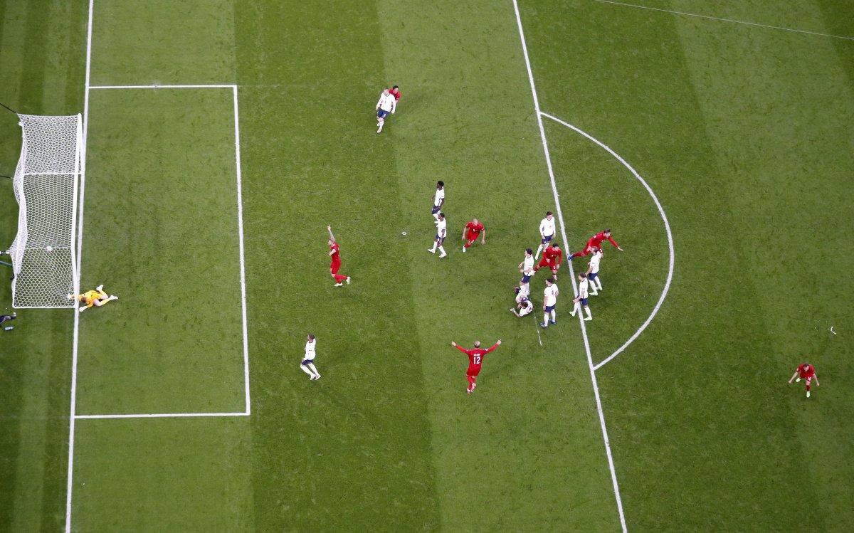 Danimarkalı Mikkel Damsgaard dan İngiltere ye harika frikik golü #9