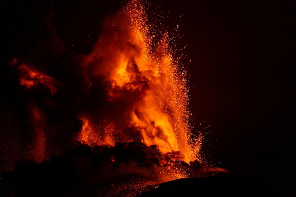 Etna Yanardağı yeniden aktifleşti #1