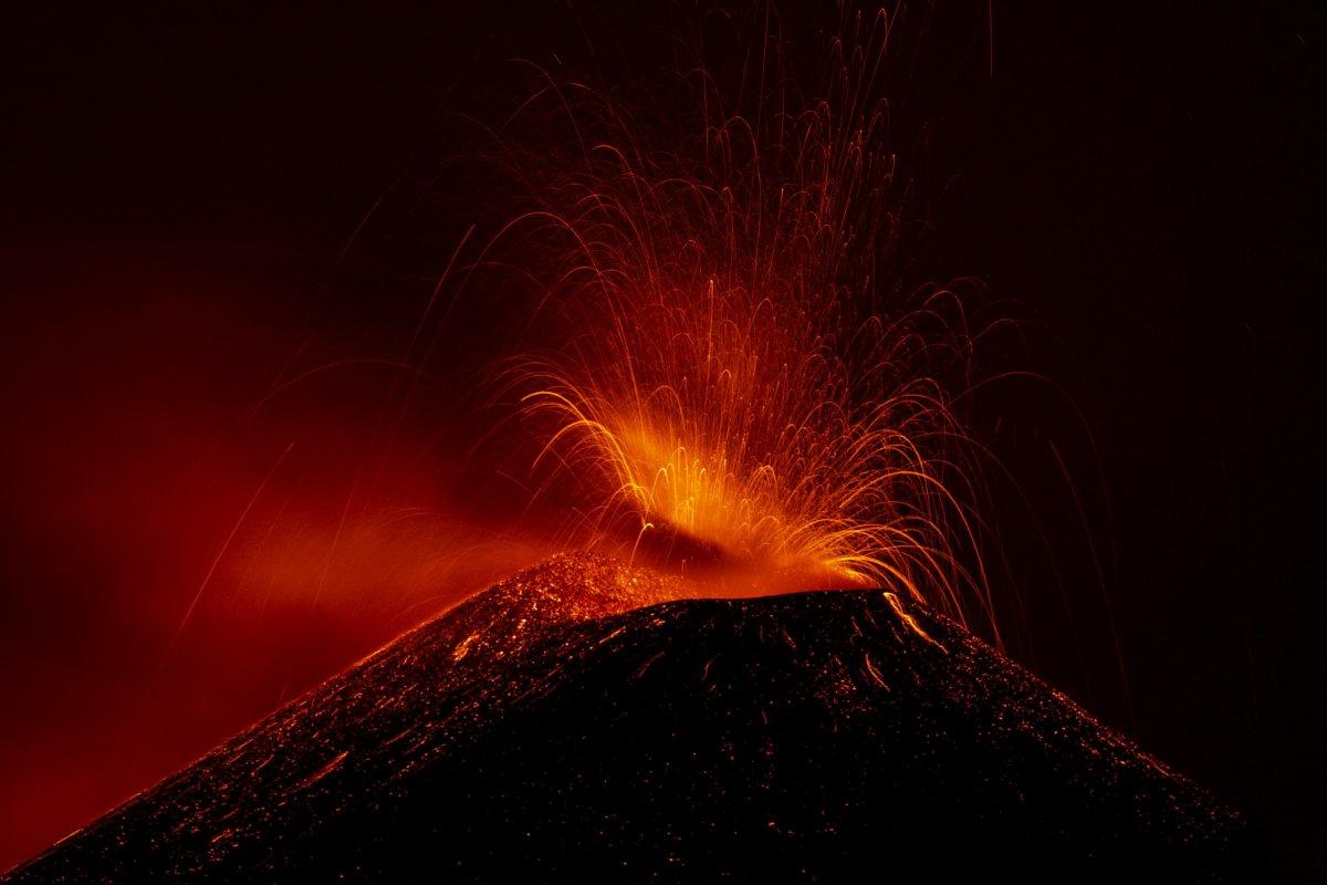Etna Yanardağı yeniden aktifleşti #3