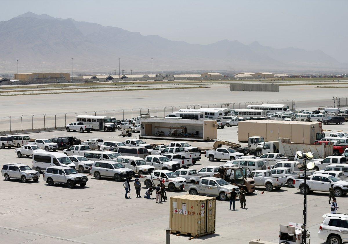 Afganistan da ABD nin ayrıldığı üs yağmalandı #1