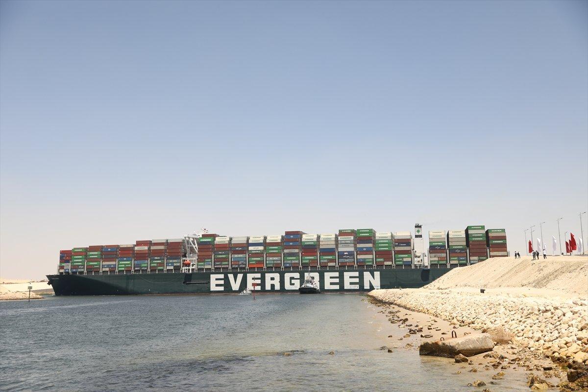 Süveyş Kanalı nı tıkayan  Ever Given  Mısır'dan ayrılıyor #3