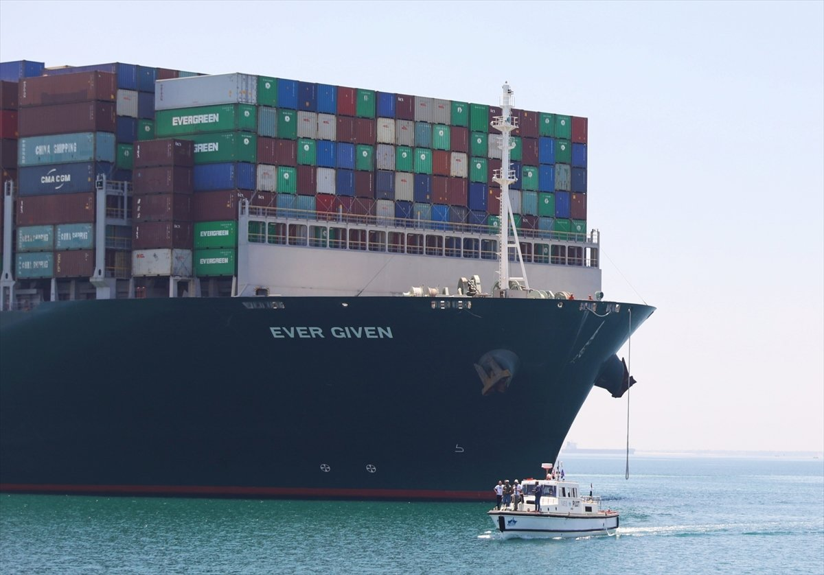 Süveyş Kanalı nı tıkayan  Ever Given  Mısır'dan ayrılıyor #2