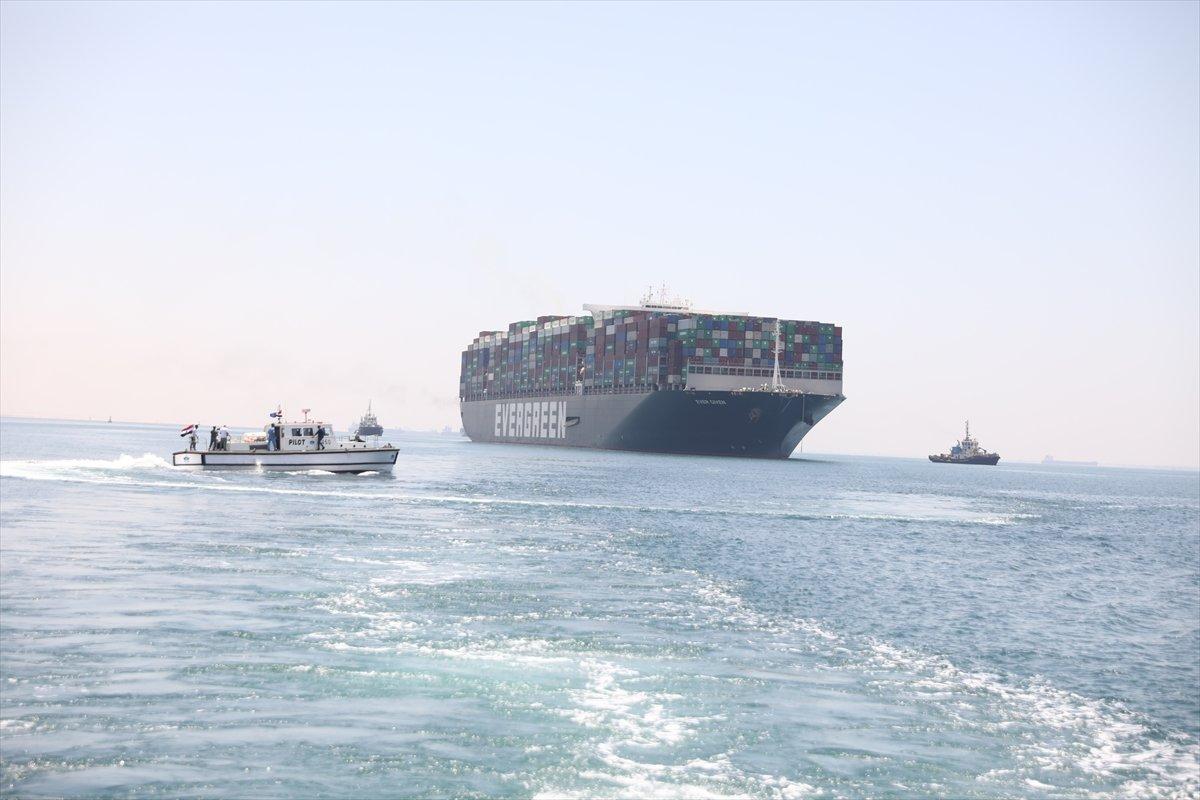 Süveyş Kanalı nı tıkayan  Ever Given  Mısır'dan ayrılıyor #4