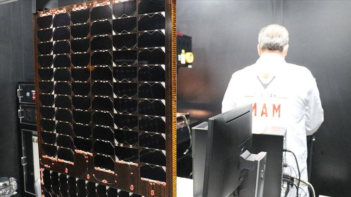 TÜBİTAK ın geliştirdiği yerli uzay kalifiye güneş paneli kullanıma hazır #3