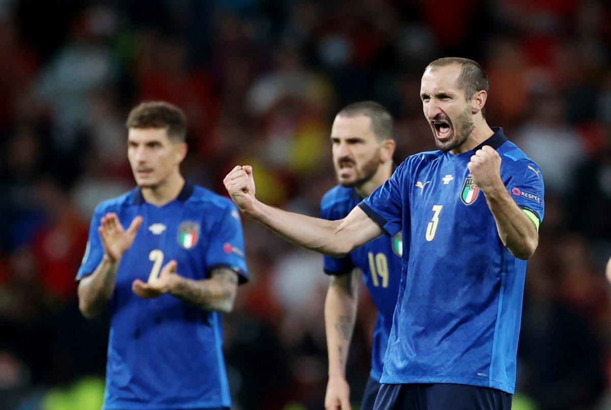 EURO 2020 de İspanya yı penaltılarda eleyen İtalya finalde #7